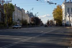 Улица К.Маркса. Вид от Варваринской церкви. Октябрь 2016
