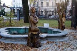 Герои татарских народных сказок в саду дома Союза писателей РТ, Муштари, 14