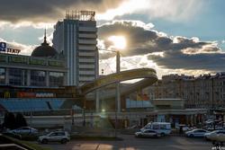 ТРК «Кольцо» в лучах заходящего солнца. Казань, Петербургская 1. Октябрь 2016