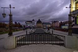Ул. Петербургская, Казань, сумерки