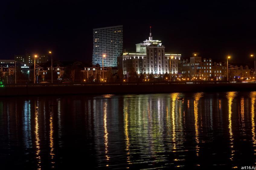 Вид с оз. Кабан на ул. Марселя Салимжанова, ночь, Казань::Казань, закат, сумерки, ночь