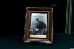 Кабинетная фотография с автографом Ф.И. Шаляпина: «Милому Ване память с «... злому кровопийце». 18 14/IV 97 г. Ф. Шаляпин»