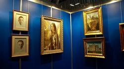 Фрагмент экспозиции выставки Никаса Сафронова