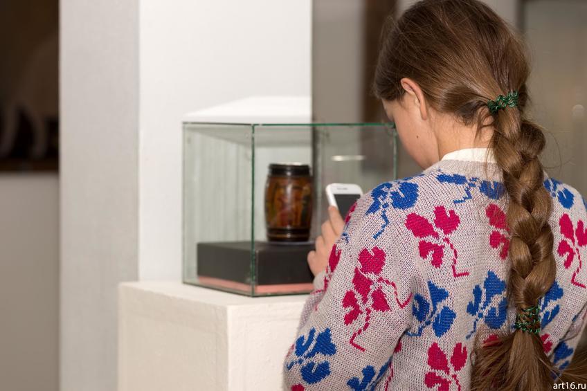 У шкатулки. На выставке Альфии Ильясовой–Саргин::Персональная выставка. Альфия Ильясова–Саргин. 8 декабря 2016