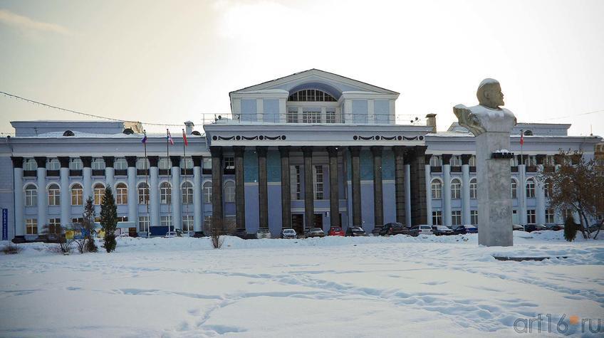 Фото №91764. Фасад Дворца культуры им. В.И.Ленина. Пермь