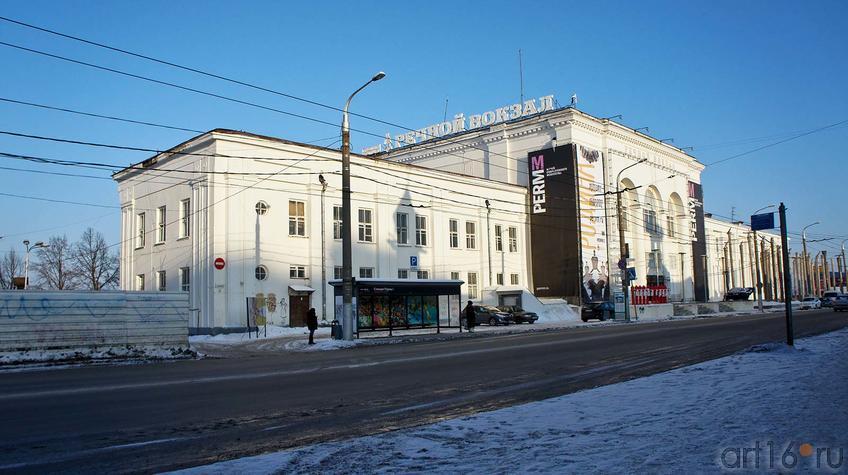 Фото №91824. Здание Речного вокзала. Музей Современного искусства. Пермь, январь 2012
