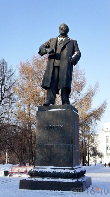 Памятник В.И.Ленину. Скульптор Г.В.Нерода::Пермь, центр. 2012