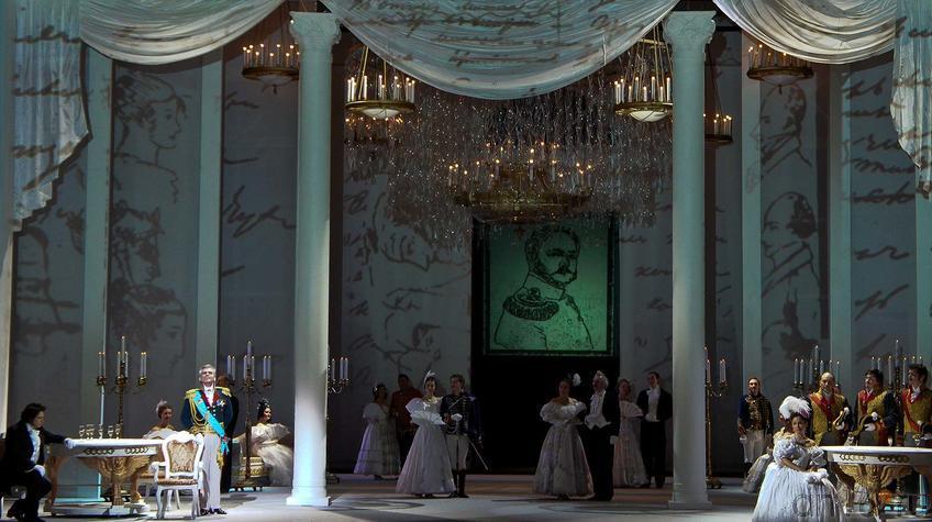 Картина шестая. В богатом особняке собралась петербургская знать.::Опера П.И.Чайковского «Евгений Онегин»