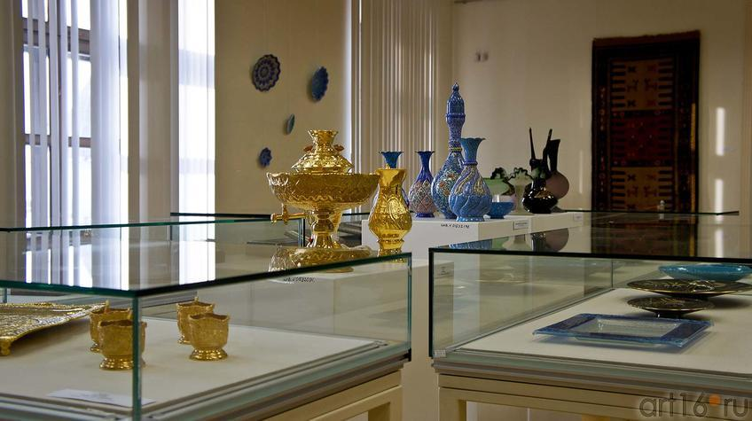 Фото №91996. Фрагмент экспозиции выставки ''Иран в зеркале искусства''