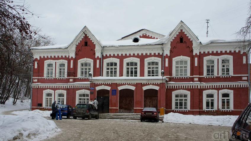 Народный дом(1900-1925). Памятник культурного наследия. Январь 2011, Пермь::Мотовилиха