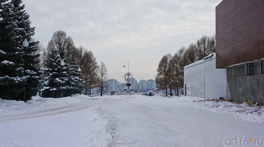 Дорога к памятнику «Борцам революции» от Музея-диорамы в Мотовилихе::Мотовилиха