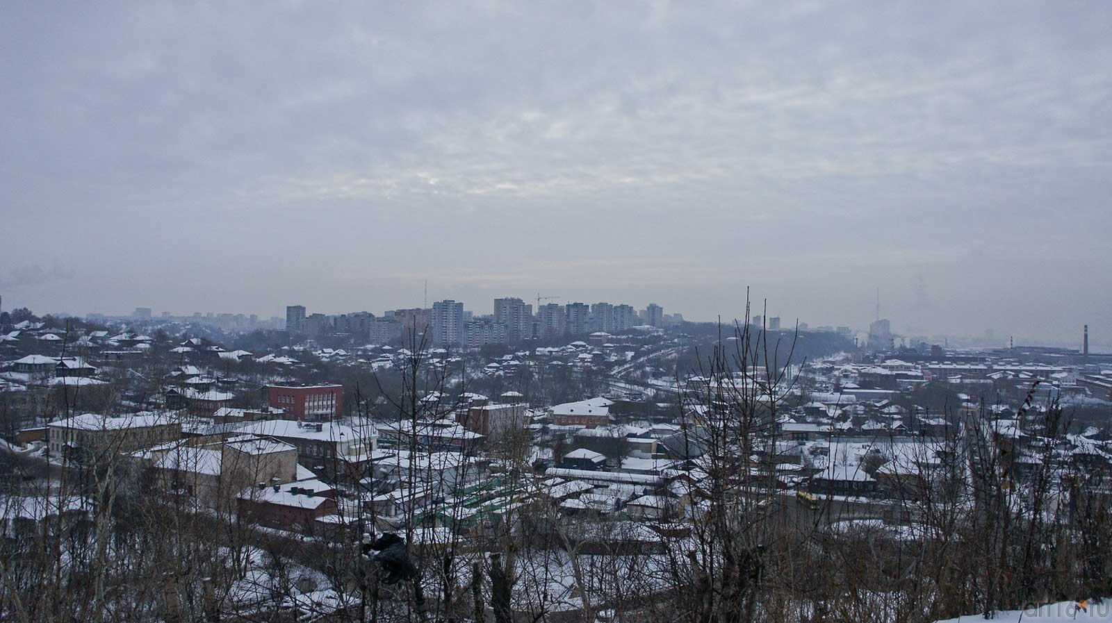 Вид на  город с горы Вышка. Пермь, январь 2011::Мотовилиха