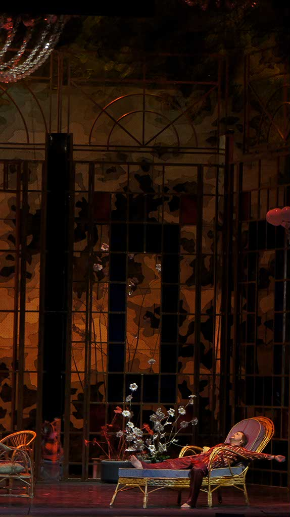 Фото №92845. Действие второе, сцена первая. Маленький домик в окрестностях Парижа