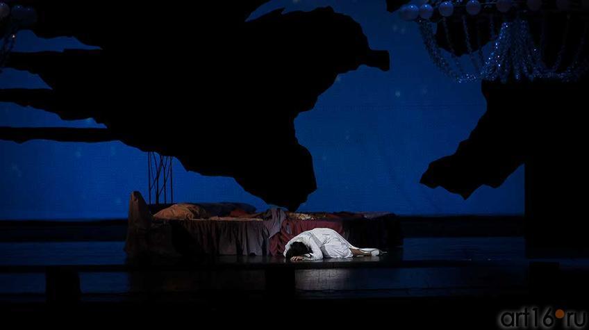 Фото №92877. Действие третье. Болезнь подтачивает здоровье Виолетты, ария Виолетты «Простите вы навеки, о счастье мечтанья»