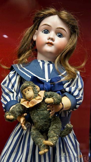 Шонау и Хофмастер, нач. XX, фарфор::Та самая кукла