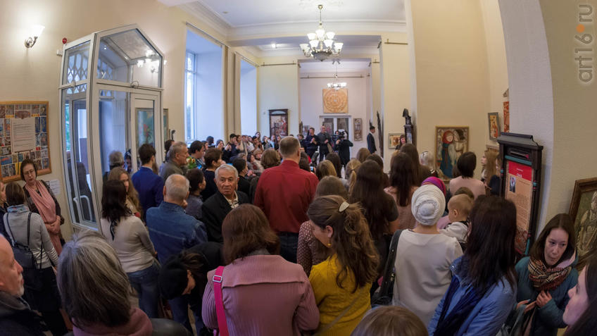 Фото №934843. Озад Хабибуллин. Открытие выставки живописи Елены Титовой ''Она''