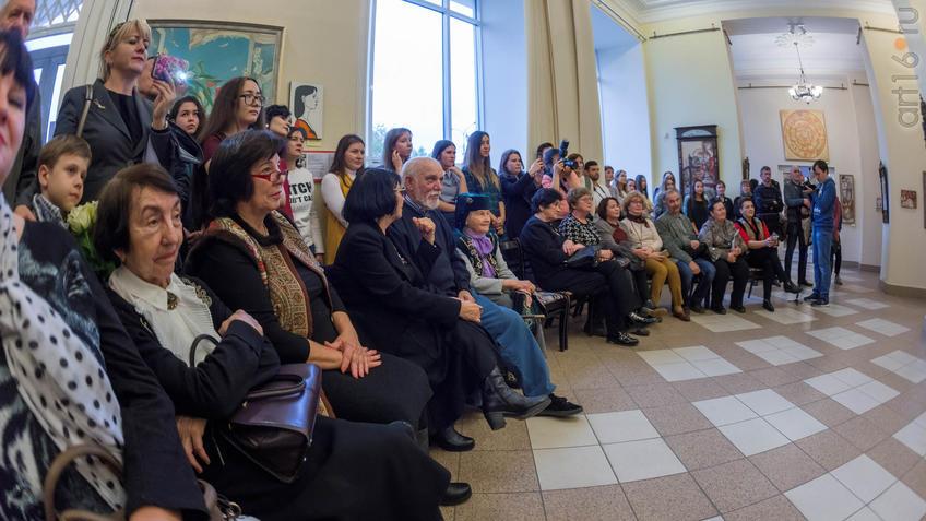 Открытие выставки живописи Елены Титовой ʺОнаʺ::Елена Титова. Живопись. Выставка ''Она''