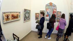 В экспозиции выставки Е. Титовой ''Она''