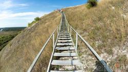 Лестница, ведущая от меловых столбов (останцев) - Большие Дивы на Маяцкое городище