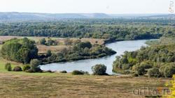 Вид на долину реки Тихоя Сосна