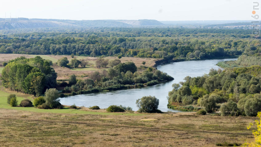 Вид на долину реки Тихоя Сосна::Дивногорье. 2017 сентябрь