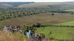 Большие Дивы и долина реки Тихая Сосна