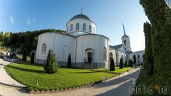 По дорожкам Дивногорского Успенского мужского монастыря