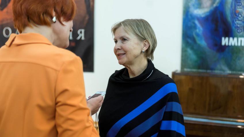 Иванова Анна Владимировна::Фарфор Петербурга. Под прозрачным льдом глазури
