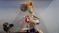 Автор игрушки Лариса Рябинина. На выставочной площадке