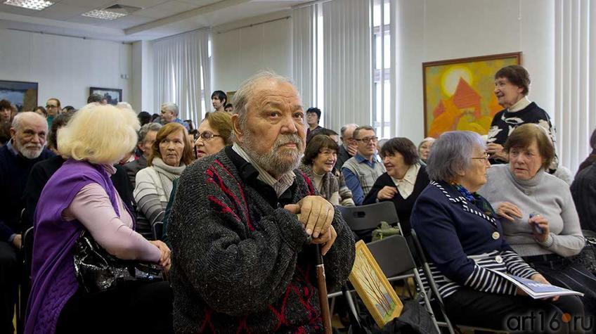 Фото №93977. Абрек Амирович Абзгильдин на открытии выставки Аникеенка А.А.
