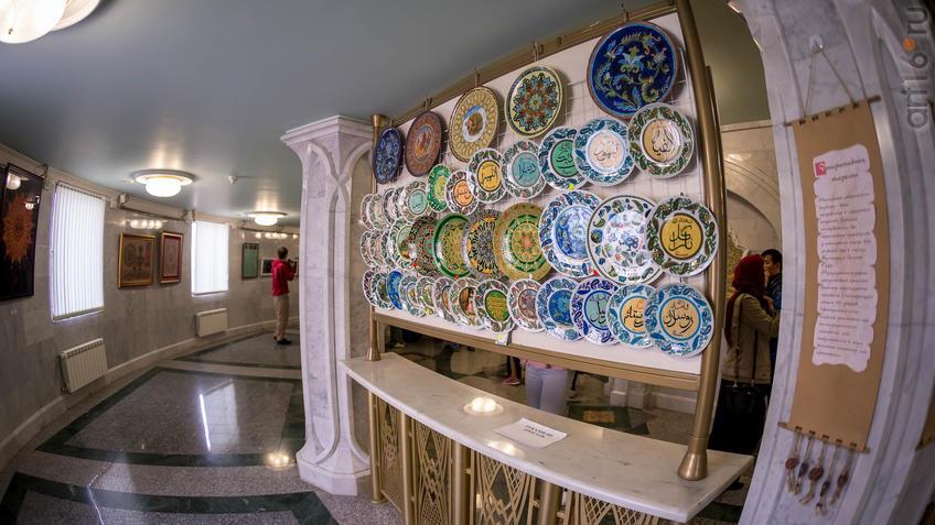 В Галерее татарского шамаиля::Искусство шамаиля: традиции и новации