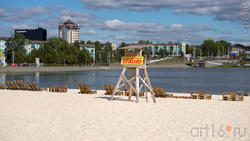 Пляж, но купание запрещено. Опасно.