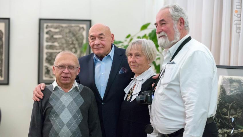 ::Надир Альмеев. Выставка «Колокола Хиросимы»