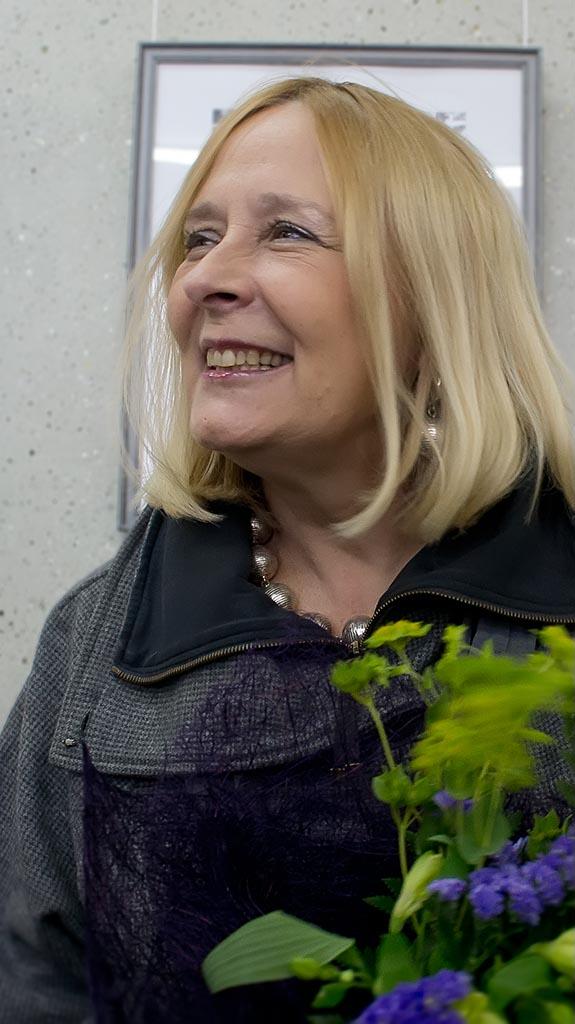 Фото №95205. Светлана Романова, мама Ильи Славутского на открытии выставки сына ''Фотография - любовь моя''