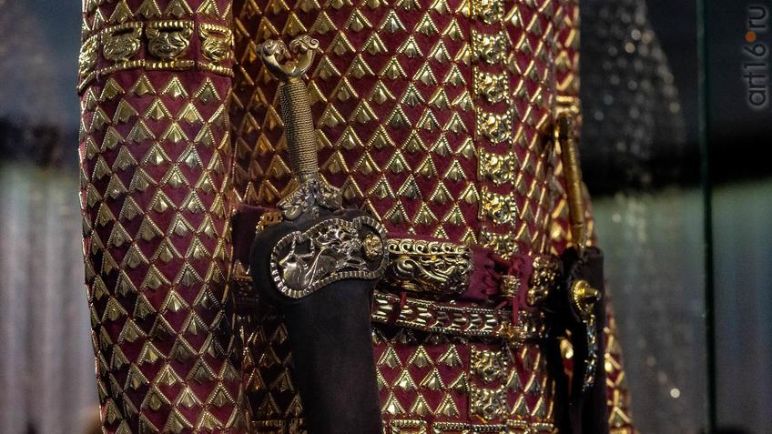 Фото №954577. Фрагмент. Одежда и доспехи ''Золотого человека''