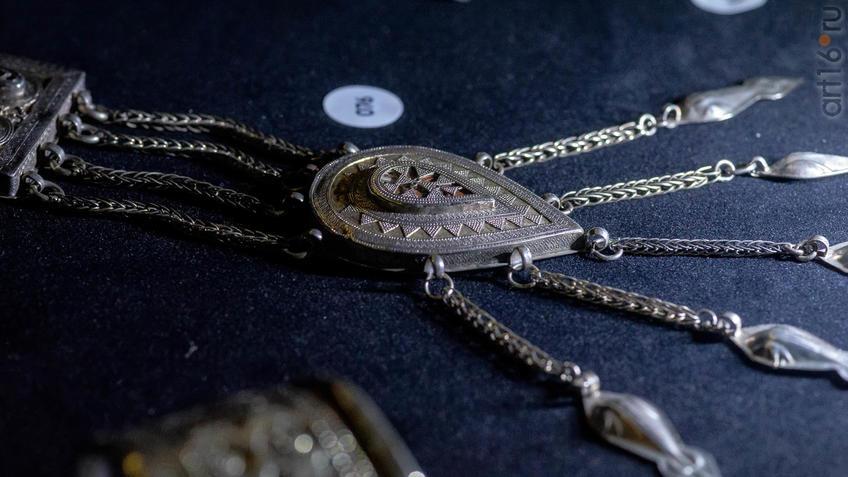 Фото №954607. Ониржиек -  нагрудное украшение. Западный Казахстан XIXв.
