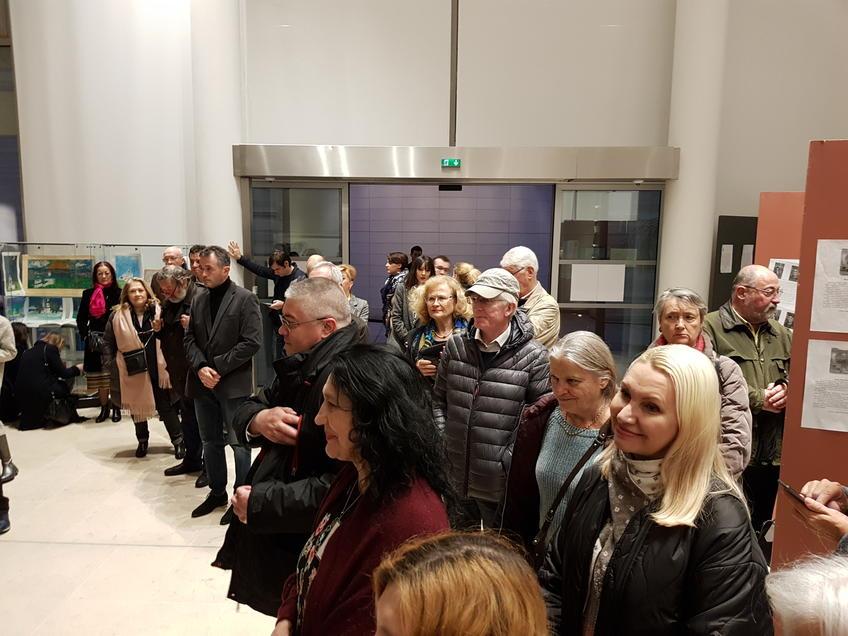 Небольшой рассказ об истории Свияжска  вызвал большой интерес::«Чудо-остров Свияжск - культурное наследие Татарстана» в Париже