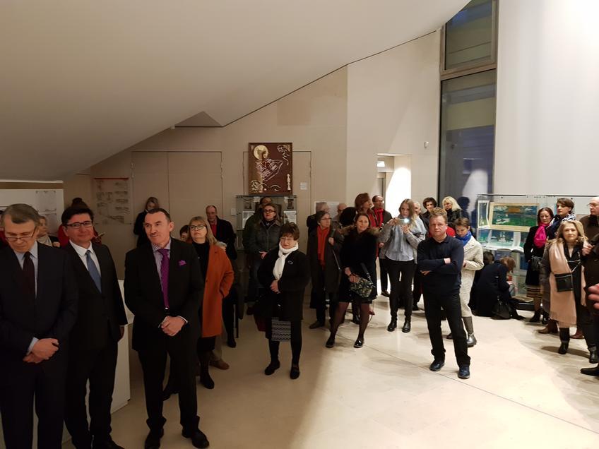 Небольшой рассказ об истории Свияжска  вызвал большой интерес у французской публики::«Чудо-остров Свияжск - культурное наследие Татарстана» в Париже