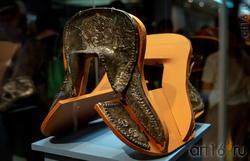 Макет седла с серебряными обкладками
