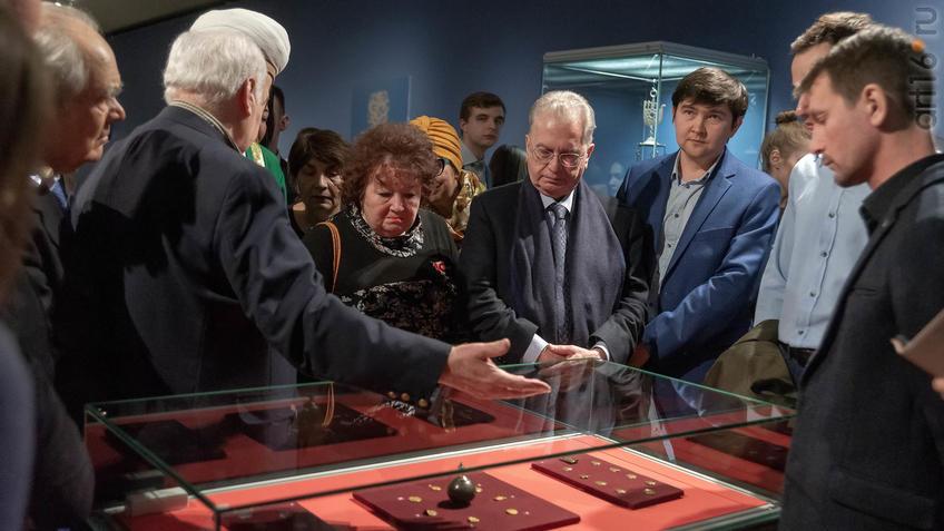 Фото №955641. Экскурсия по выставке «Золотая Орда... »