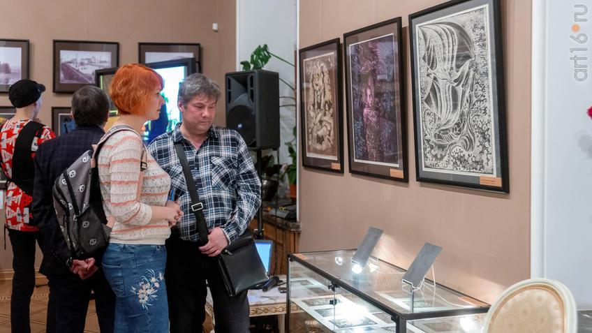 Фото №955983. На выставке Н.Альмеева в Казанской Ратуше
