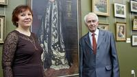И.Ф.Лобашова, А.О.Визель на выставке ''Художественный мир семьи Визелей''