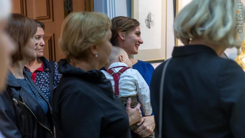 На открытии выставки Сабирова Альфиза::Аю бала. Сабиров Альфиз. Выставка