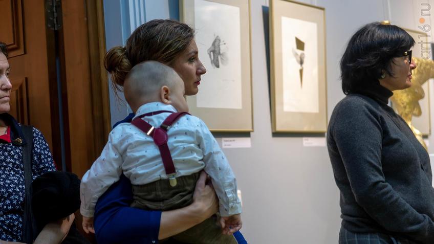На открытии выставки Сабирова Альфиза (семья)::Аю бала. Сабиров Альфиз. Выставка