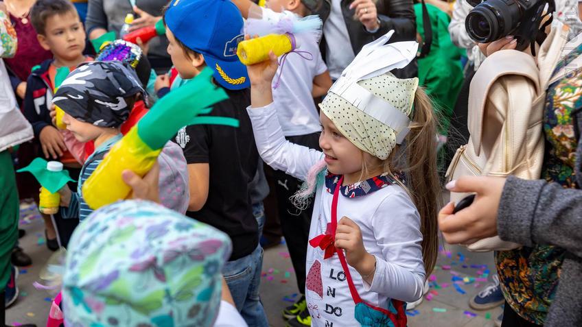Фото №961364. Карнавал «Зайчество» от Упсала-Цирка  (Санкт-Петербург), Альметьевск, 07.09.2019