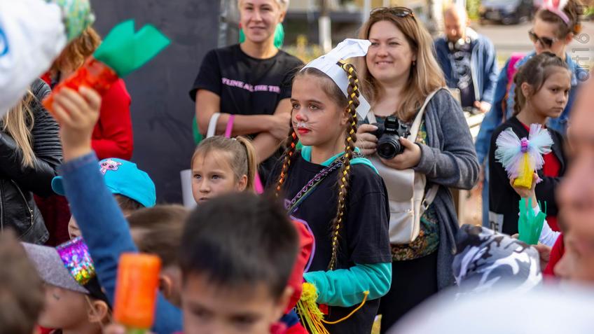 Фото №961379. Карнавал «Зайчество» от Упсала-Цирка  (Санкт-Петербург), Альметьевск, 07.09.2019