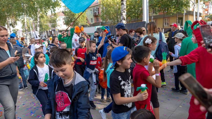 Фото №961384. Карнавал «Зайчество» от Упсала-Цирка  (Санкт-Петербург), Альметьевск, 07.09.2019