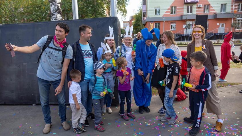 Фото №961399. Карнавал «Зайчество» от Упсала-Цирка  (Санкт-Петербург), Альметьевск, 07.09.2019