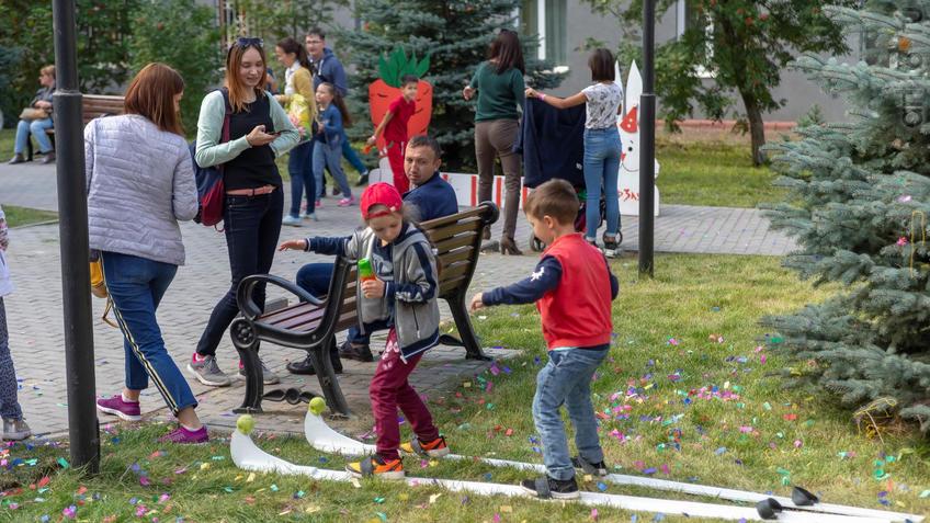 Фото №961404. Карнавал «Зайчество» от Упсала-Цирка  (Санкт-Петербург), Альметьевск, 07.09.2019