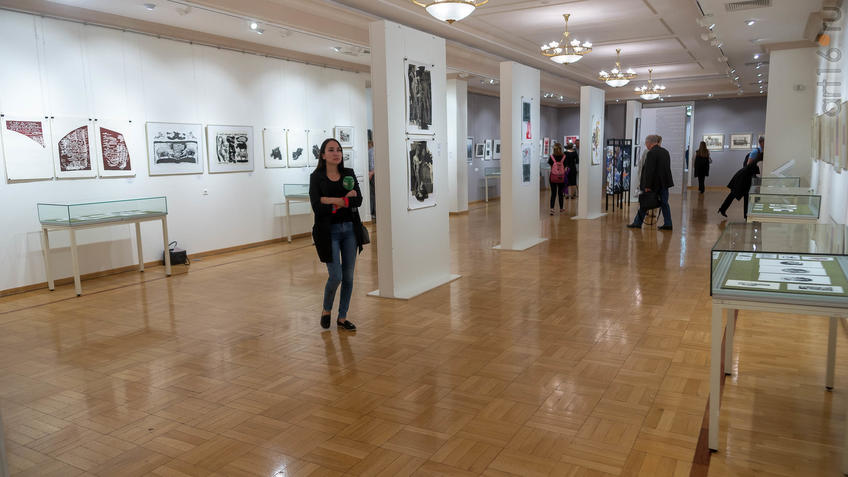 В экспозиции выставки ::5-я Казанская международная биеннале печатной графики «Всадник»